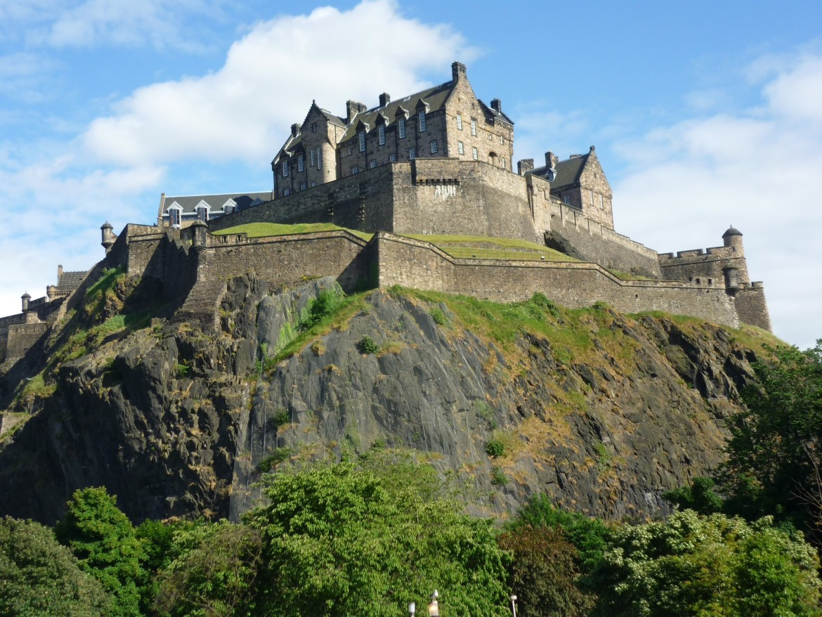 a beautiful view of edinburgh castle