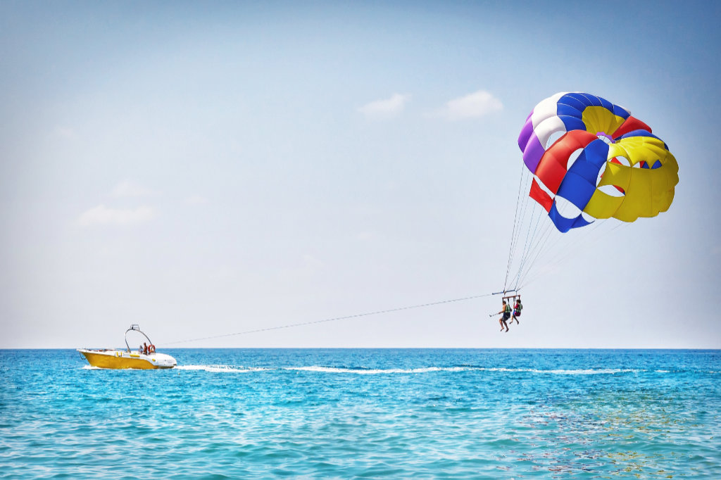 Parasailing: The Florida Experience
