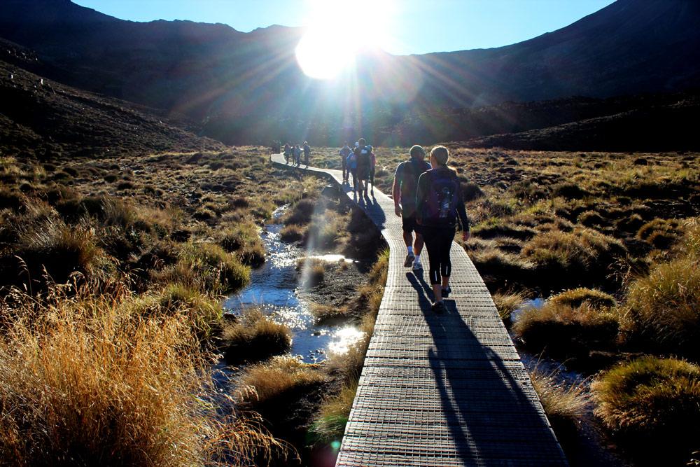 Tongariro-Alpine-Crossing-New-Zealand-1