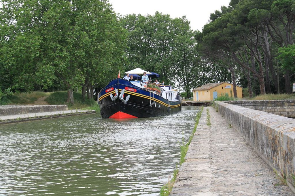 Canal-du-Midi-Barge