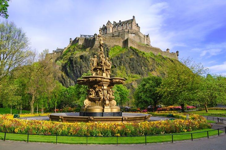 Edinburghs-Royal-Mile